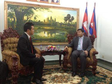 カンボジアの30代の新任環境大臣にご挨拶してきました。