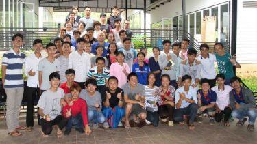 クーリエジャポン記事:カンボジアに命をささげる3人の日本人|藤重太「『親日国』で働くということ」